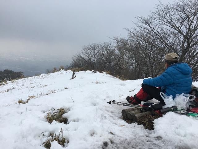 山頂で一休み
